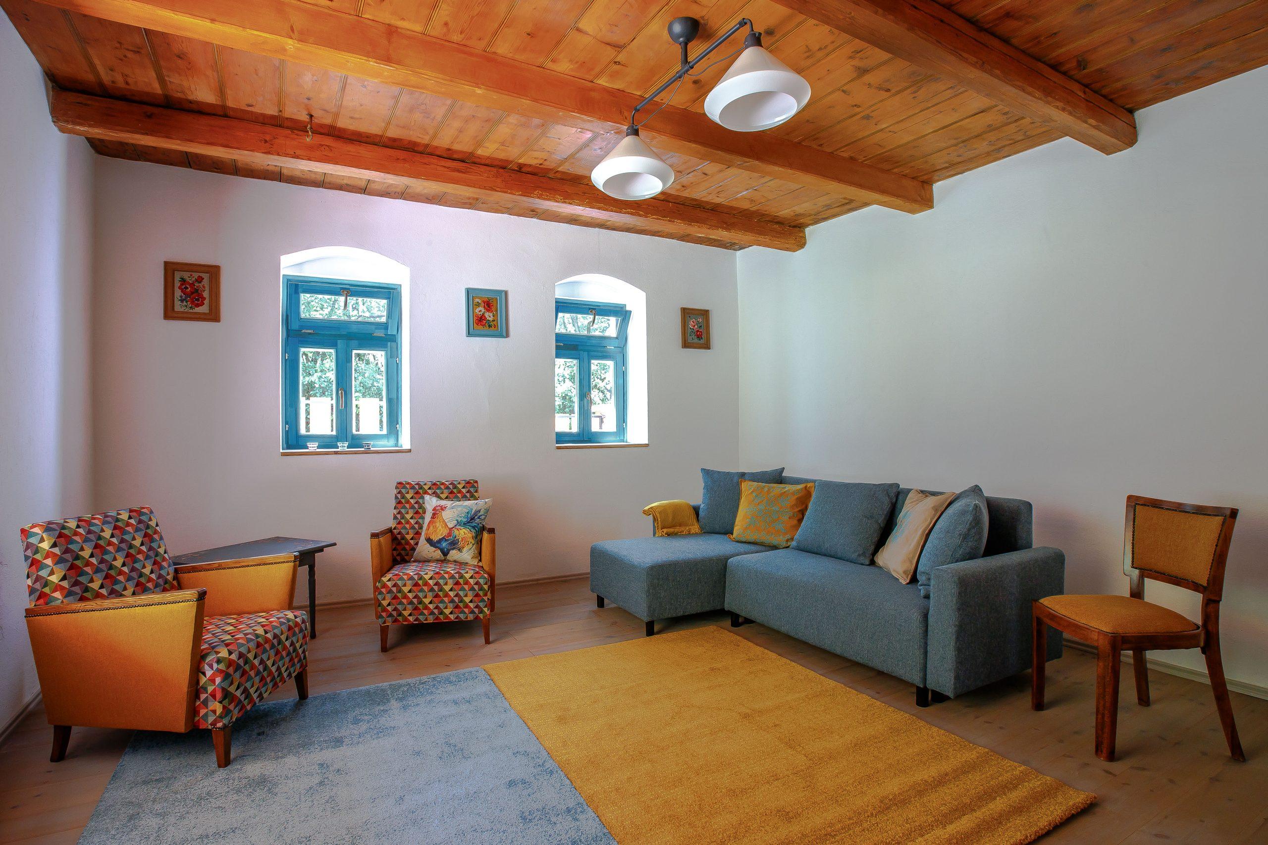Dióliget – Kék Madár Pihenőház
